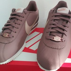 Nike Classic Cortez Leather. New. Women's sizes